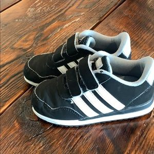 Toddler Boys Adidas Casual Shoes Size 9